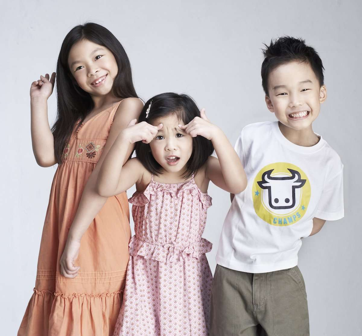 family photography shoot of 3 kids